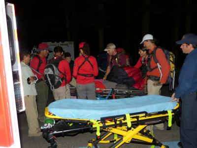 Aid to an ill hiker on Duck Pass